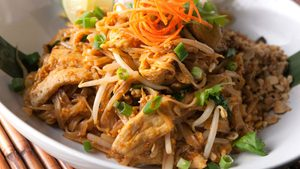 A Nut-Free Pad Thai That's Also High In Protein