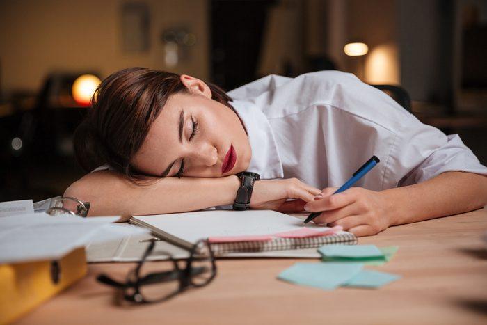 sleepy woman_always tired