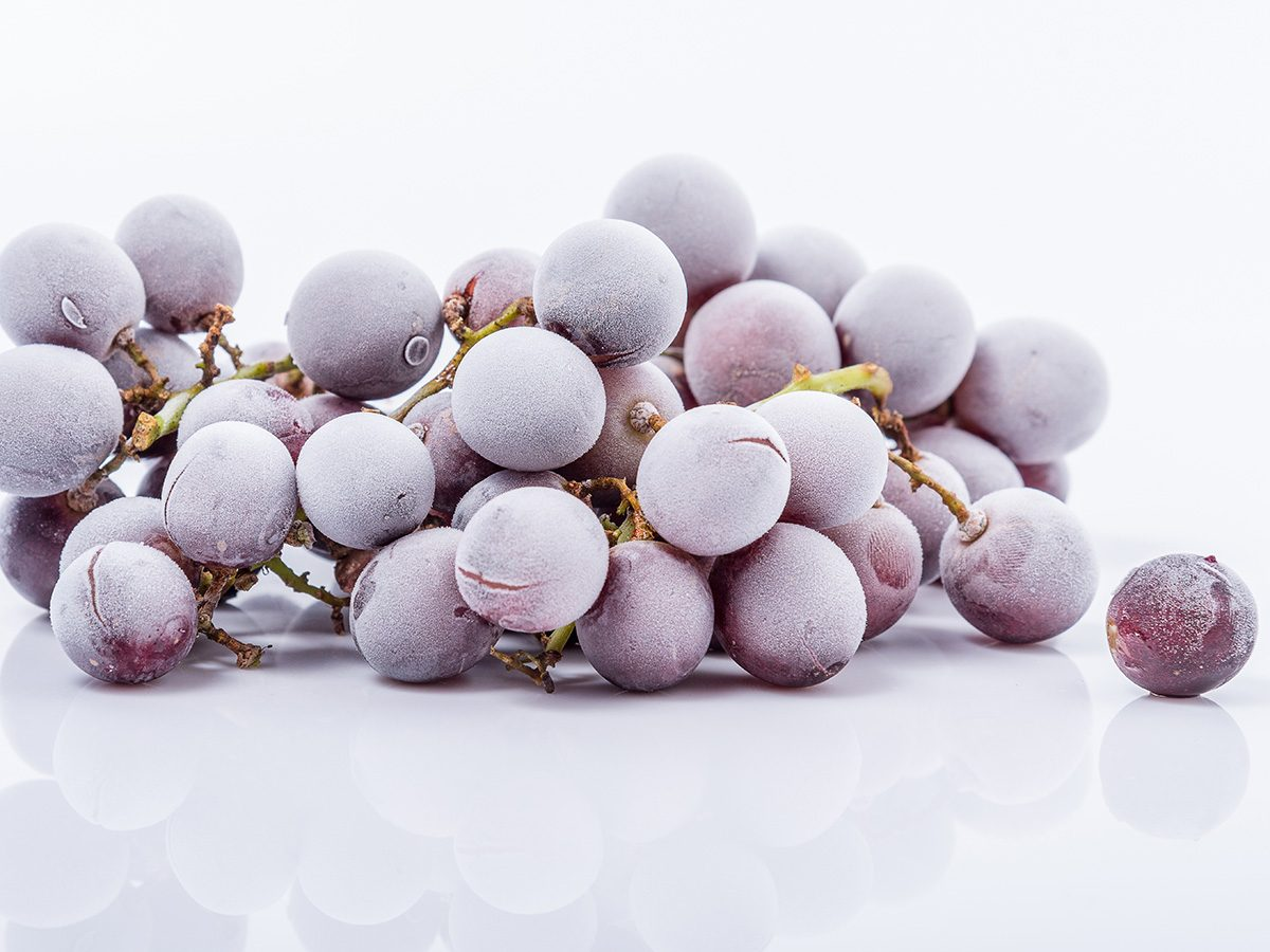 Snacks, frozen grapes