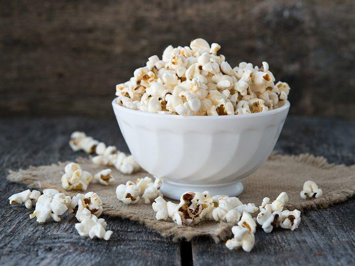 Snacks, bowl of popcorn