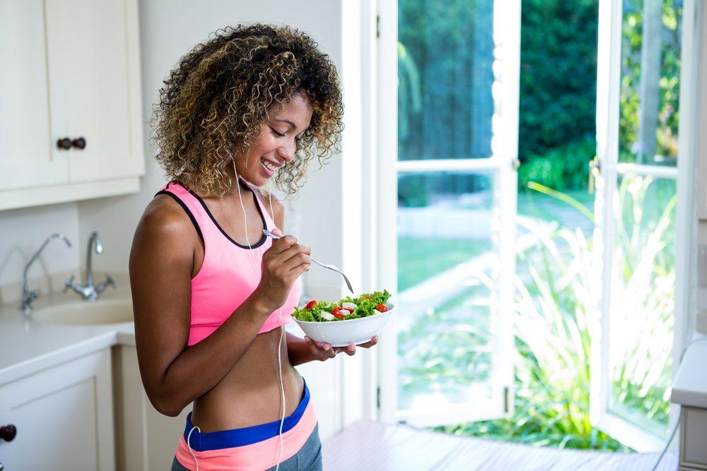 woman eating salad_proven weight loss strategies