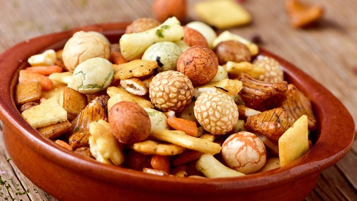 Hiking snacks: Indian spiced trail mix