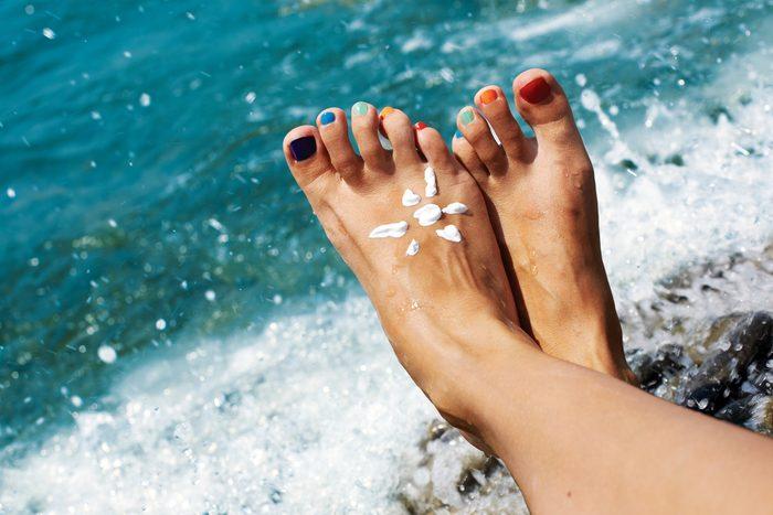 forgot to apply sunscreen_feet