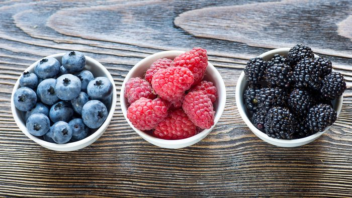 flat tummy foods berries