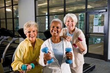 senior women weights resistance strength exercise dementia alzheimer's