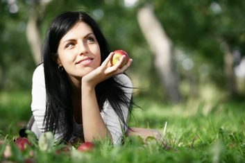 apples woman