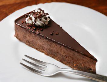 chocolate cake large