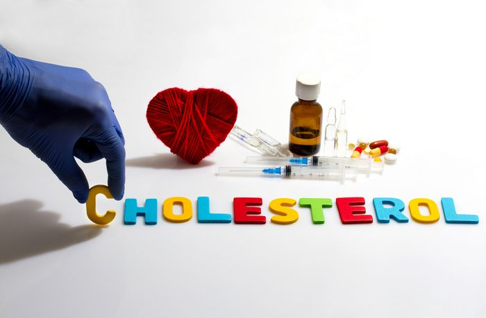 Iron, niacin and vitamine A should be avoided while taking cholesterol drugs.