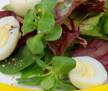egg beet salad