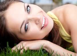 green beauty woman relax grass