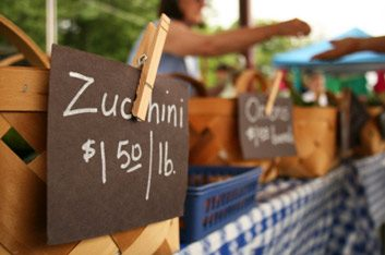 8 secrets to shopping at farmers' markets