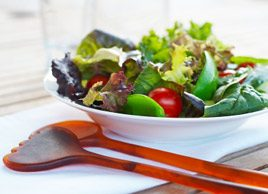 How to choose a healthy salad