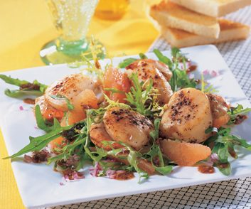 Seared Sea Scallops & Grapefruit Salad with Mustard Vinaigrette