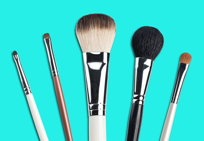 02-everyday-items-wash-makeup-brushes