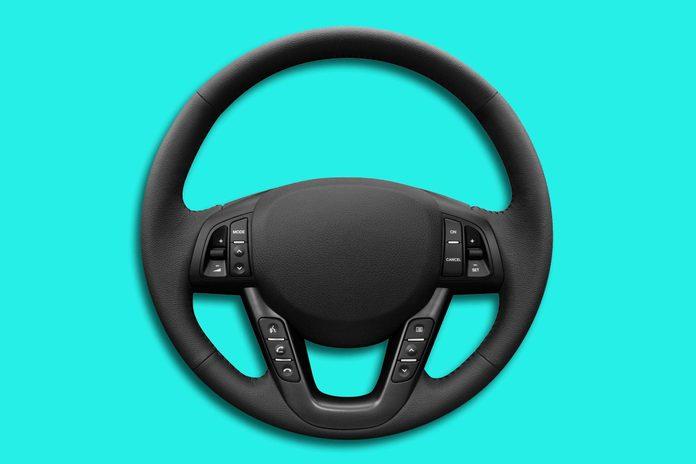 04-everyday-items-wash-steering-wheel