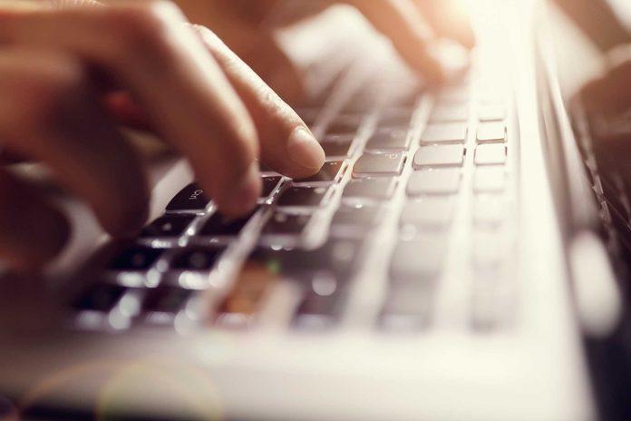 23-secrets-body-typing-slowly