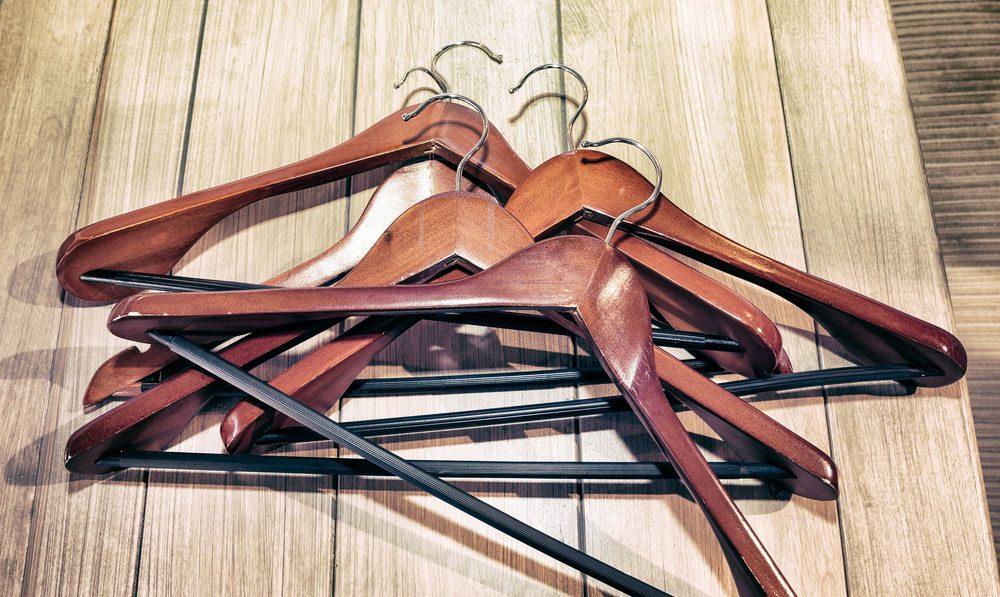 closet-hangers