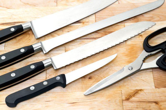 17-kitchen-shortcuts-kitchen-scissors