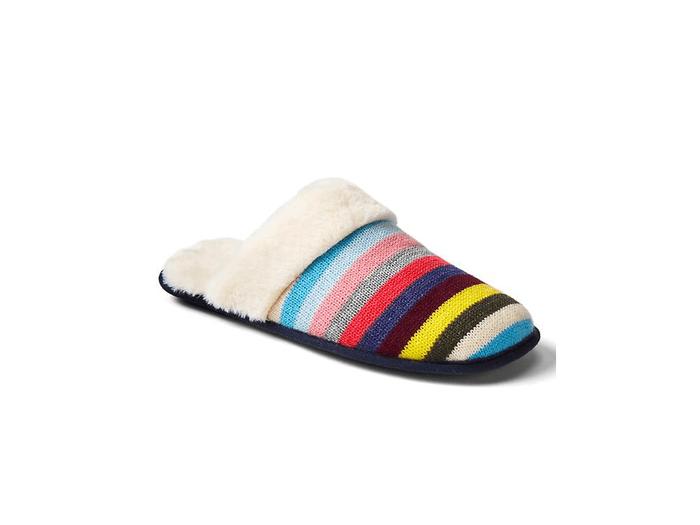 gap_slippers