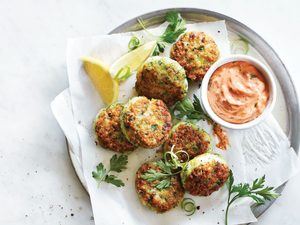 Crispy Shrimp Cakes with Smoky Tomato Aioli