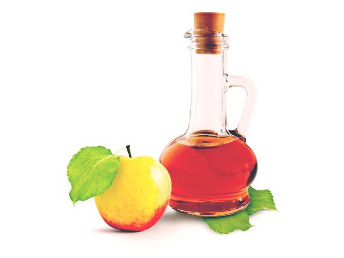 Dab on apple cider vinegar on a blister