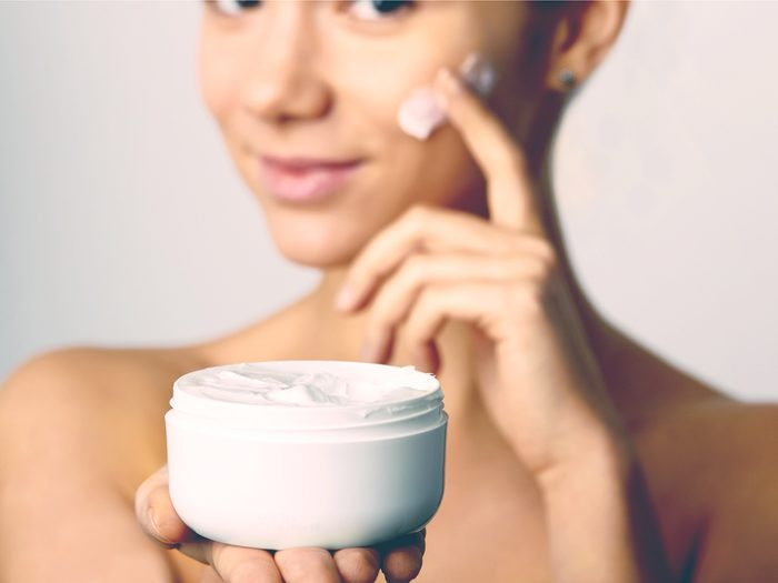 Knowing that good cream can put off a surgical tuck is a trick dermatologists don't give away for free