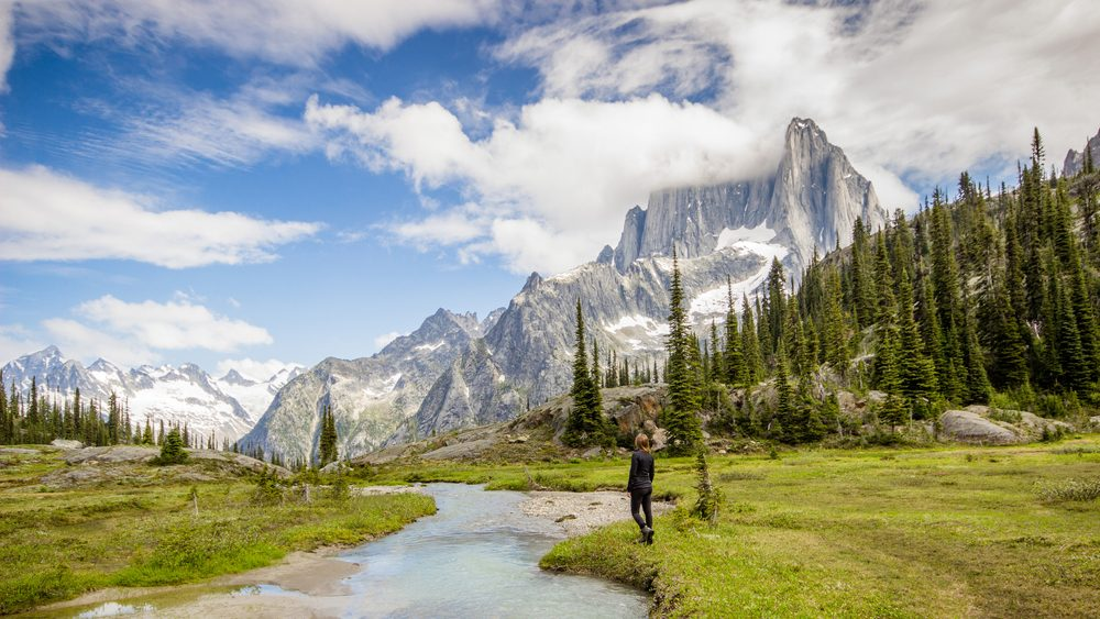 Hicking Checklist, a woman hiking in British Columbia