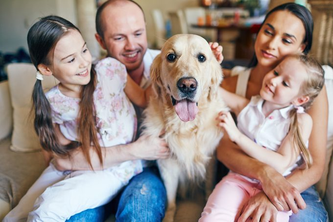 family and dog_how dogs benefit kids health