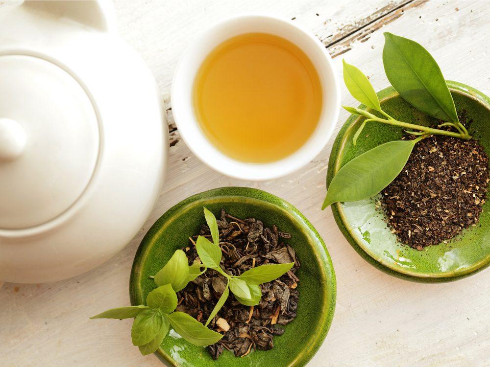 Skinny people eat green tea