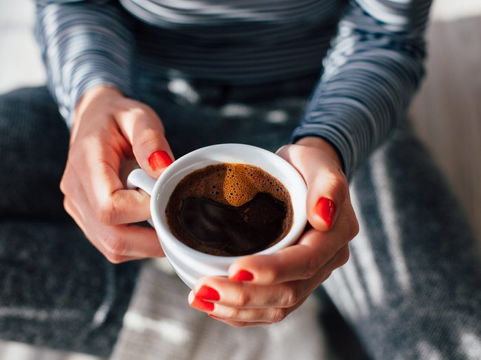 Cutting down on caffeine can reduce stomach bloating