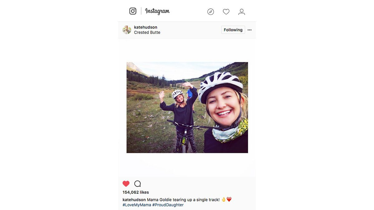 Kate Hudson Fitness Routine, Kate Hudson going for a bike ride with her mom Goldie Hawn