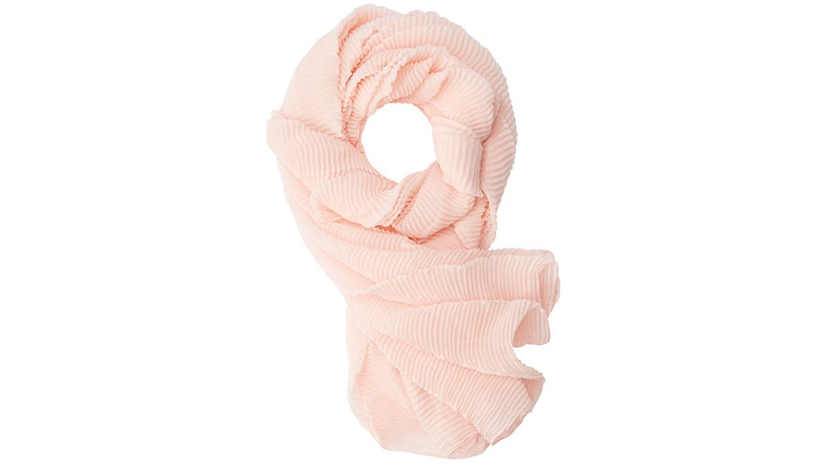 how to wear millennial pink, a soft pink pleated scarf