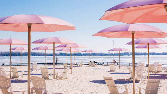 how to wear millennial pink, a photo of Toronto's Sugar Beach and its pink umbrellas