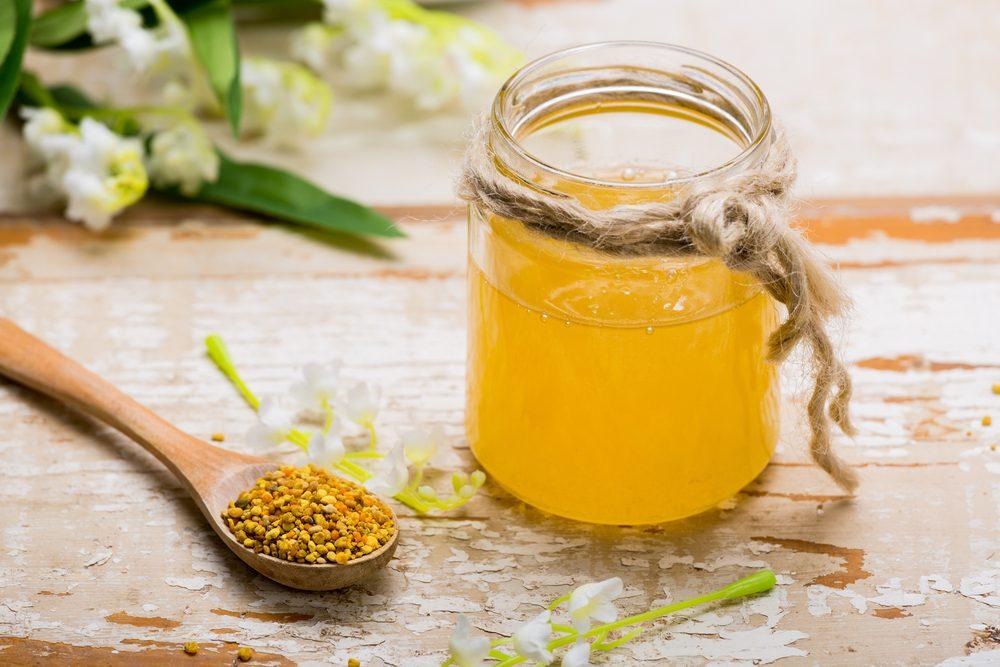 benefits of bee pollen_ bee pollen and honey