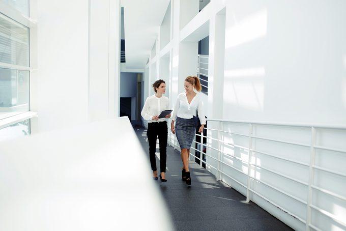 successful business women _ embracing discomfort