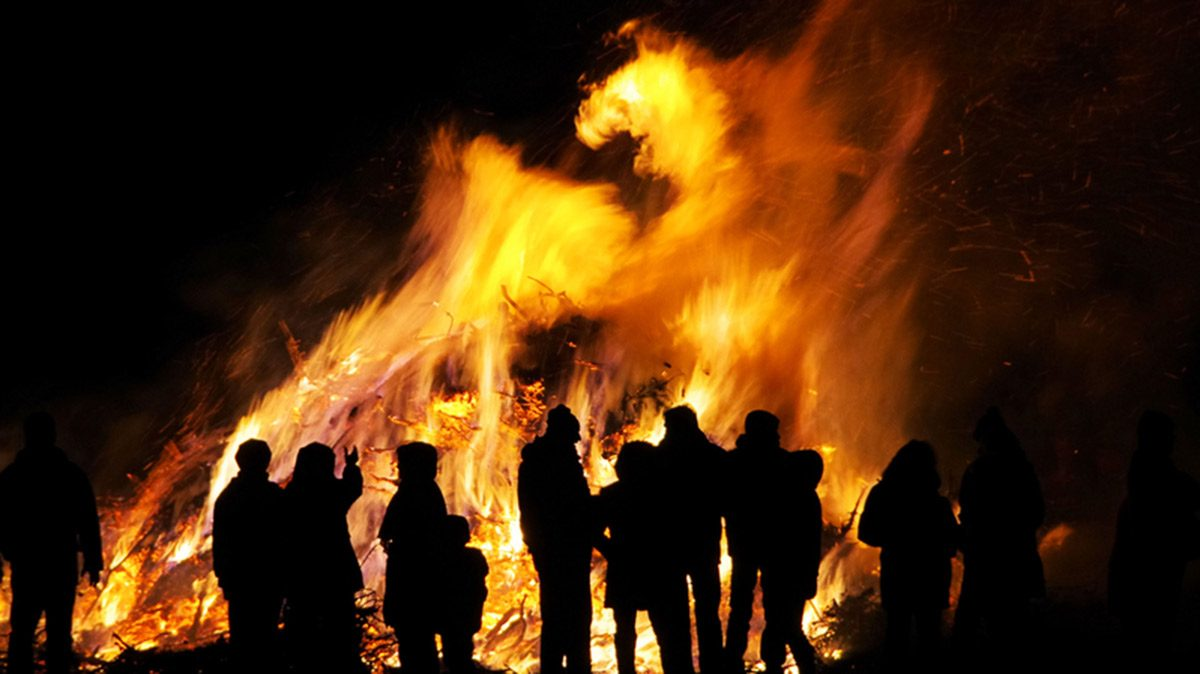 Halloween, pagan bonfire