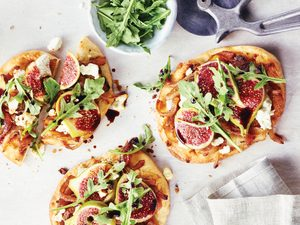 So Easy To Make: Caramelized Onion and Fig Pita Pizzas
