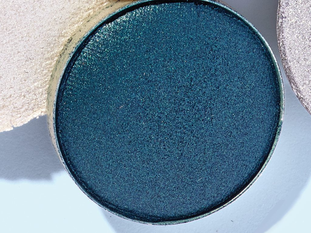 Party eyeshadow looks chanel les 4 Ombres Road Movie