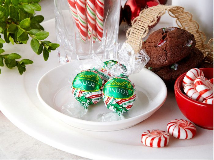 holiday foods lindt peppermint