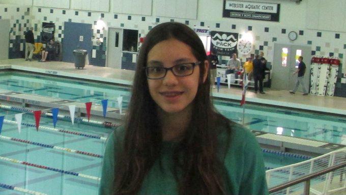Debora Barros swimming goals