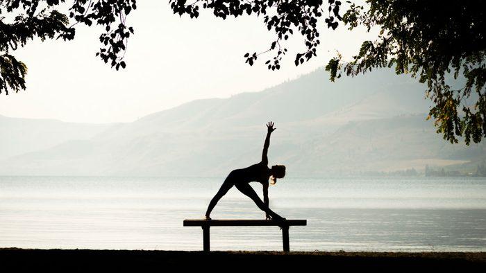 SUP yoga triangle pose