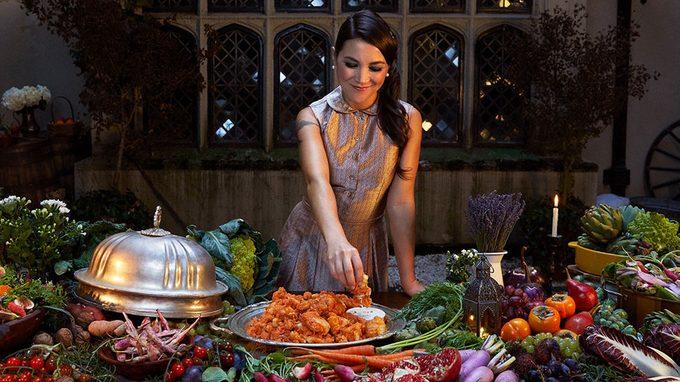 going vegan, vegan blogger Lauren Toyota, one of YouTube's Women To Watch