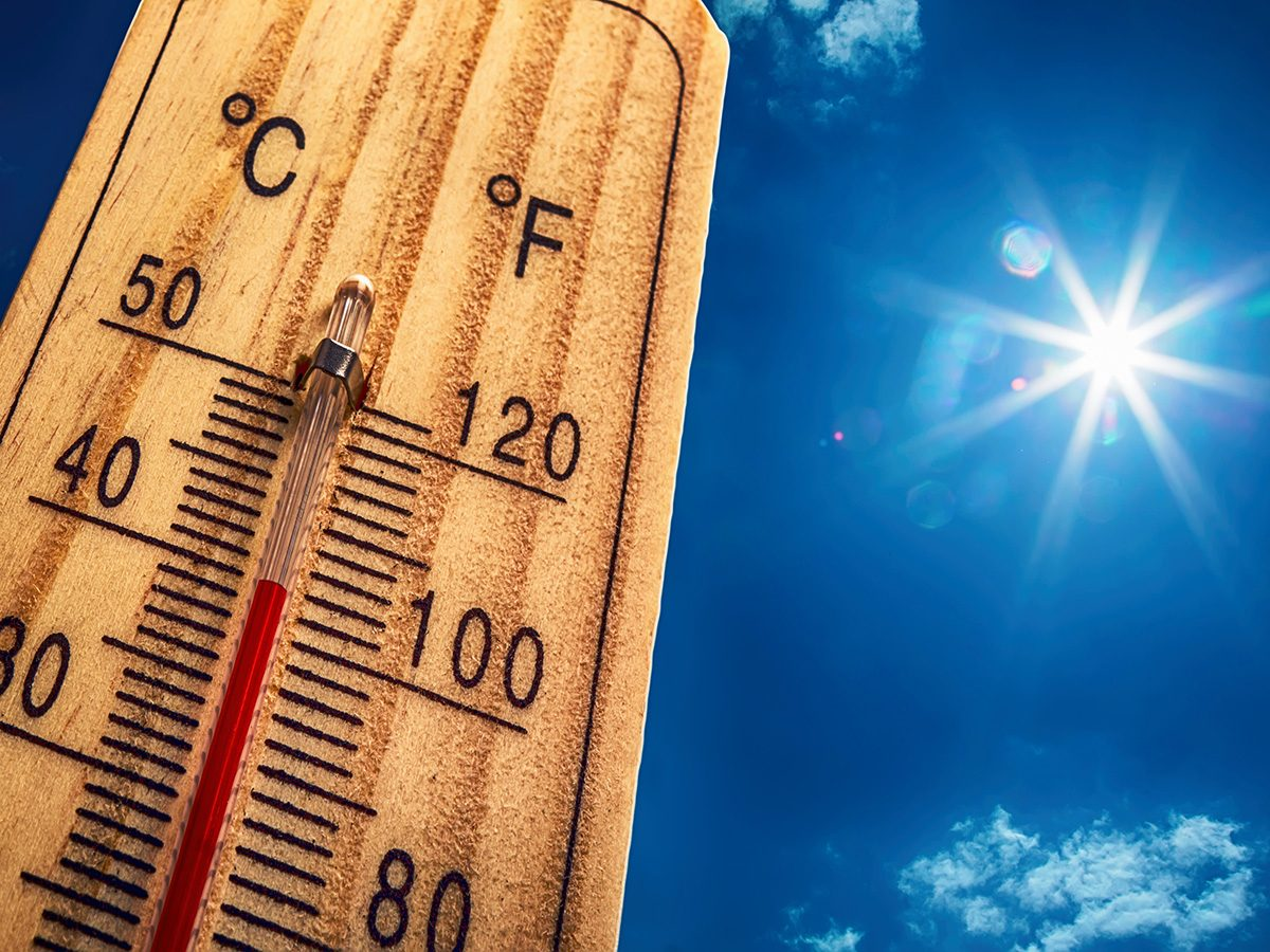 eczema, hot sunny day, thermometer shows warm temperature