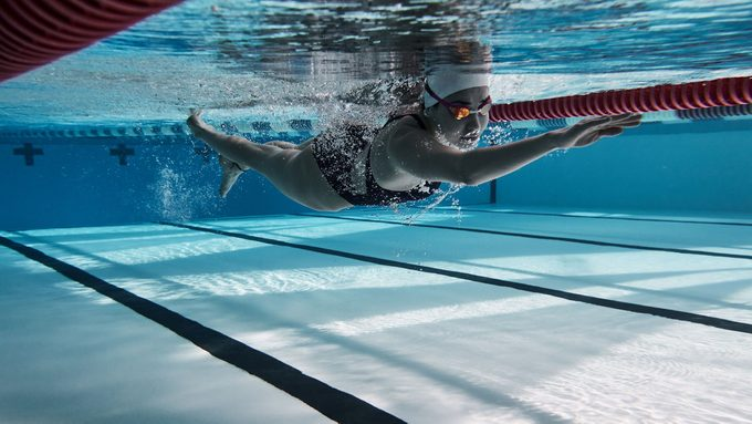Yusra Mardini swimming