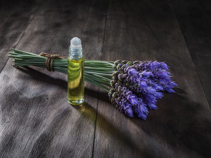 essential oil blend for headaches, peppermint and lavender