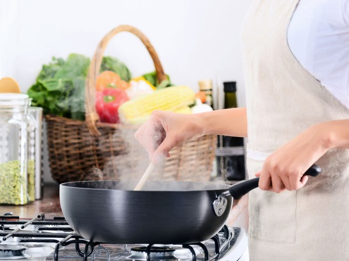 indoor air pollution gas stove cooking