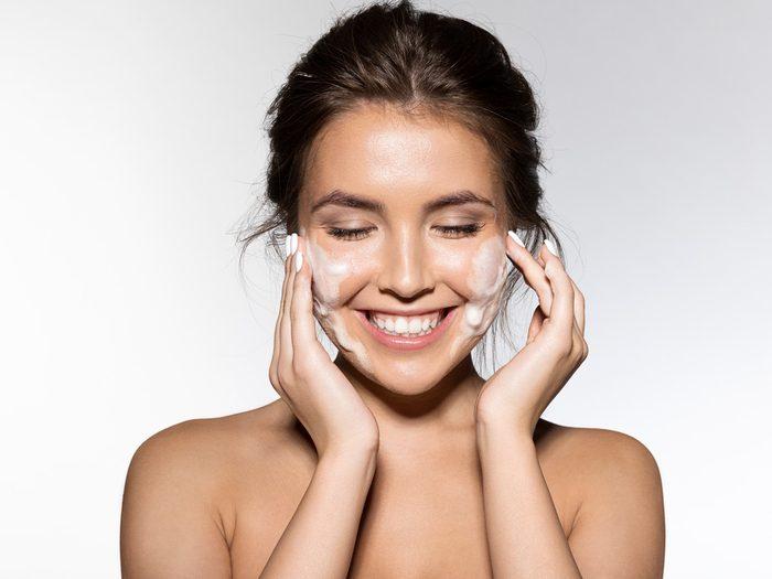 moisturizer for dry skin woman
