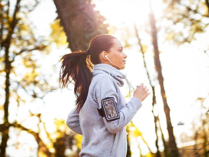 women running jogging
