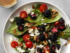 A Simple Spinach Salad For When You Don't Want to Cook