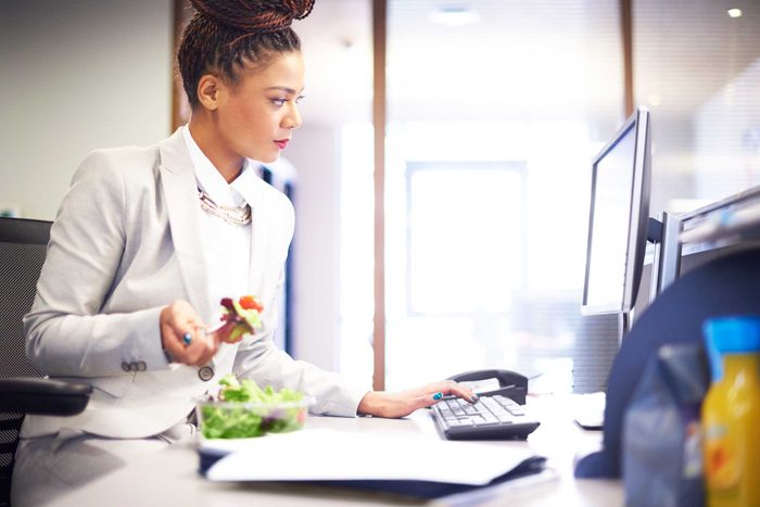 worst_habits_belly_fat_skip_meals